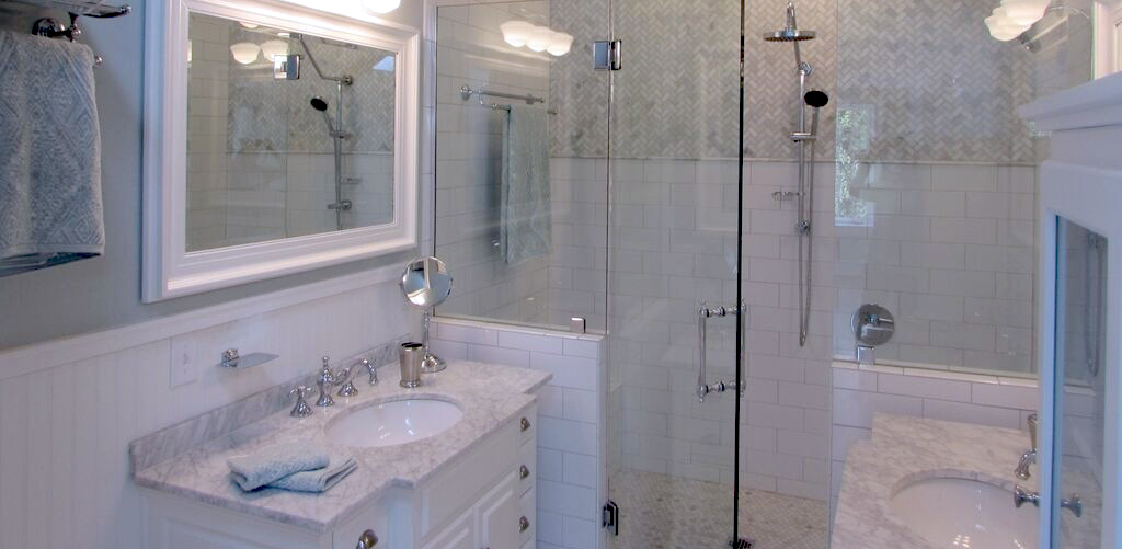 Bathroom Ceramic and Natural Stone Tiles Installation